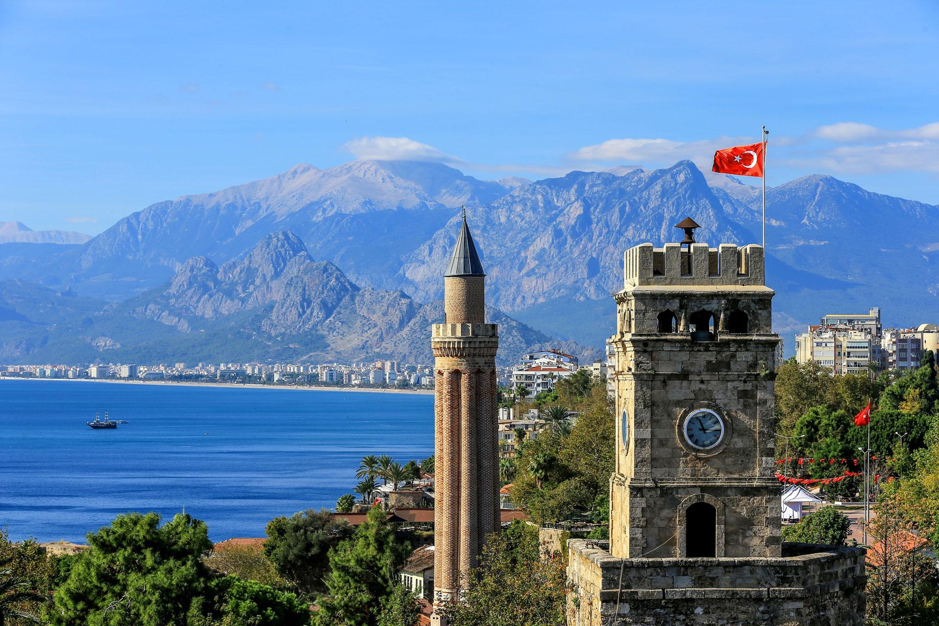 Antalija, jedno od najomiljenijih odredišta srpskih turista i mesto gde je potpisan novi sporazum.