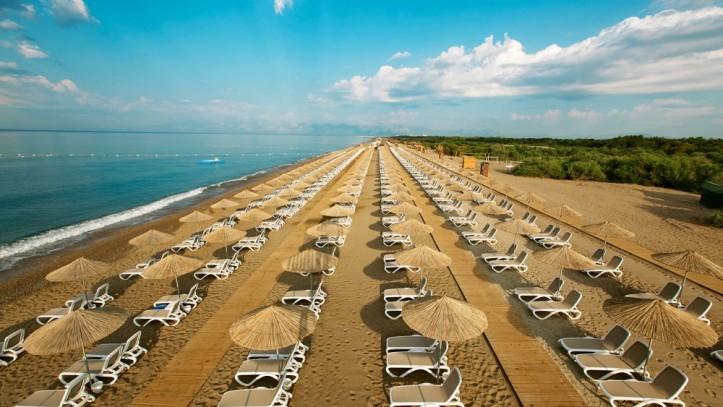 149_titanic_deluxe_belek_private_beach-723x407