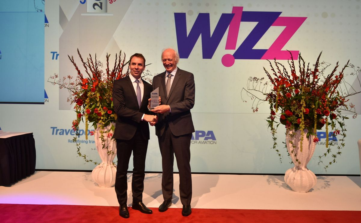 wizz-air-ceo-j-varadi-receives-capa-2016-low-cost-airline-of-the-year-award-from-capa-executive-chairman-p-harbison-1200