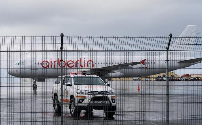Zaplenjen avion Air Berlin-a na Islandu