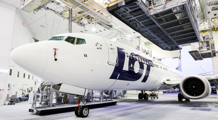 Putnici platili popravku aviona