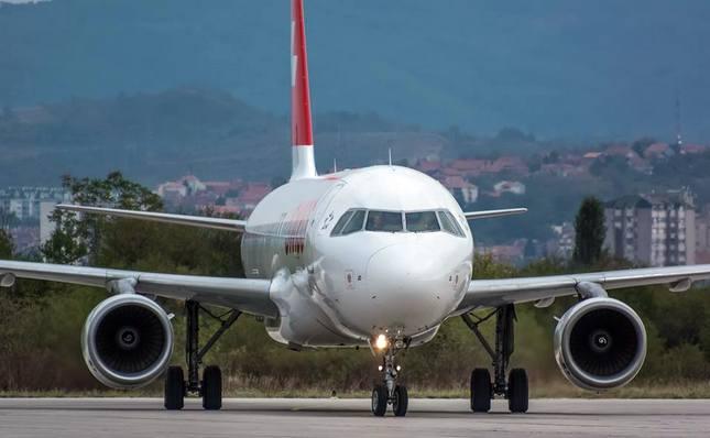 Avion SWISS-a iz Ciriha za Niš vanredno sleteo u Beograd