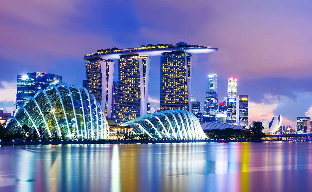 LOT povezao Varšavu i Singapur