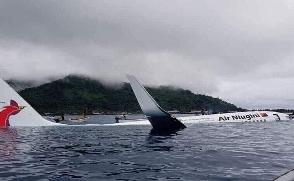 Avion završio u laguni