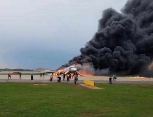 Avion Aeroflota u plamenu